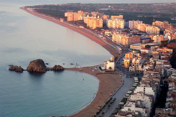 Береговая линия и пляжи Бланеса