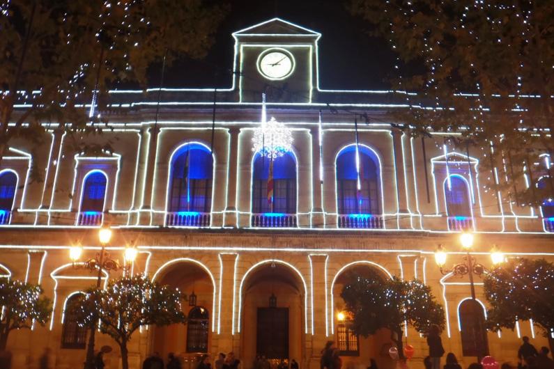 посетите дворец архиепископов в Севильи