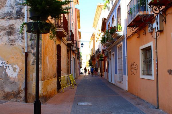 улицы испанского города Дения