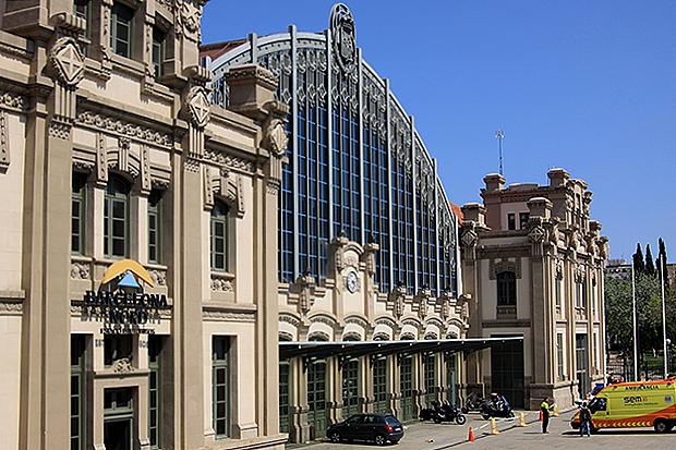 Главный автовокзал Барсы — Barcelona Estacio Nord.