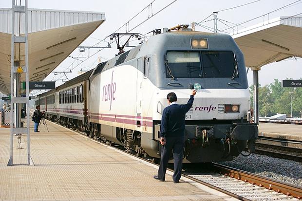 Поезда Renfe оснащены мягкими сиденьями и кондиционерами.