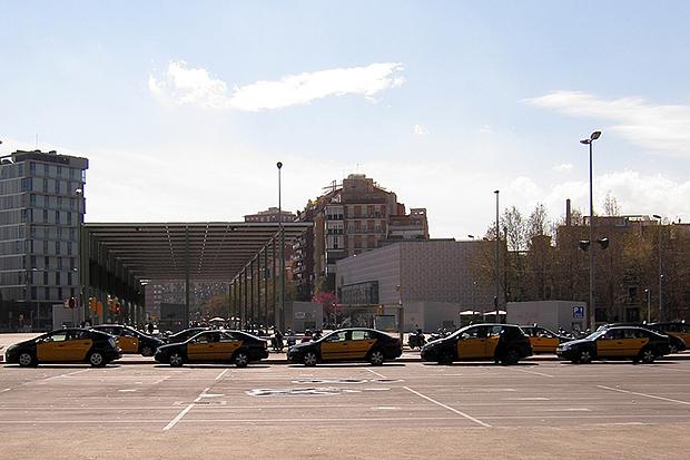Такси от Жироны до Барселоны стоит не дёшево.