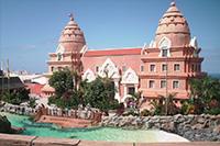 Сиам-парк является самым большим аквапарком в Европе.