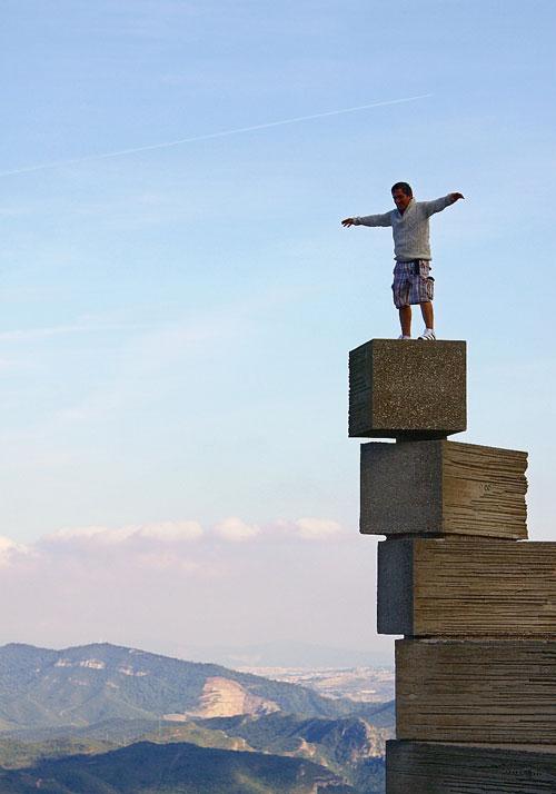 Человек, залезший на лестницу познания.