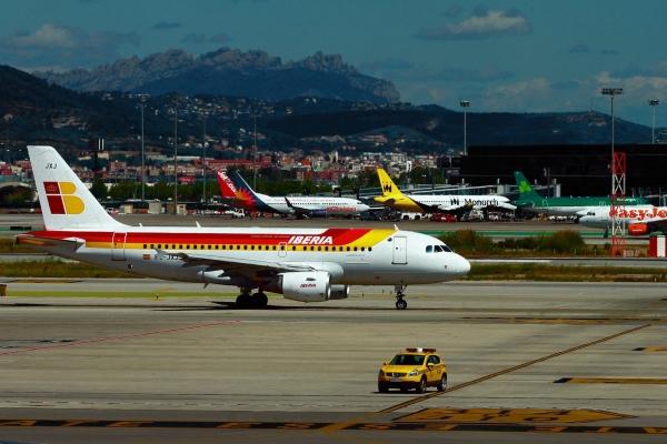Эль Прат принимает самолёты авиакомпаний со всего мира.