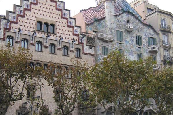 Проспект Passeig de Gràcia.