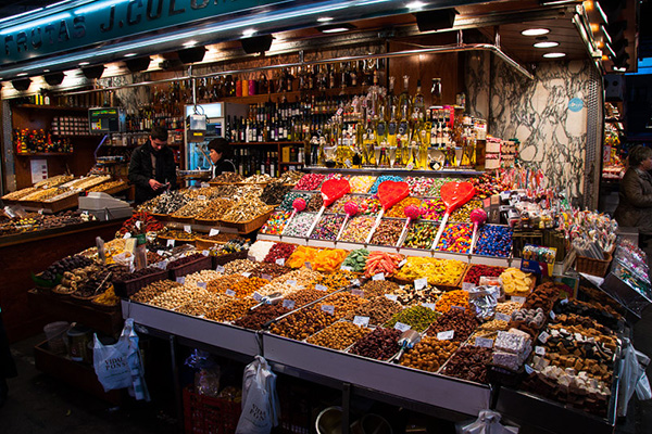 Продукты на рынке Бокерия.
