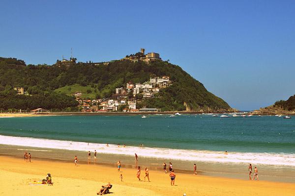 Пляж La Concha.