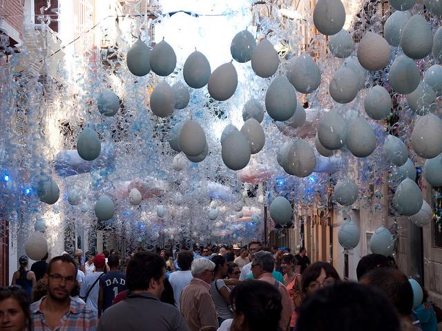 Праздник Festes de Gracia.
