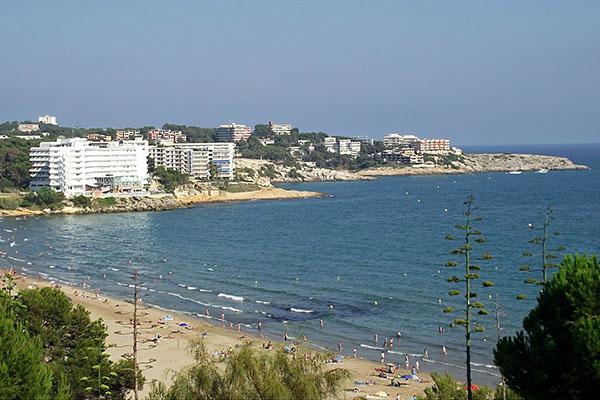 Отель у моря.