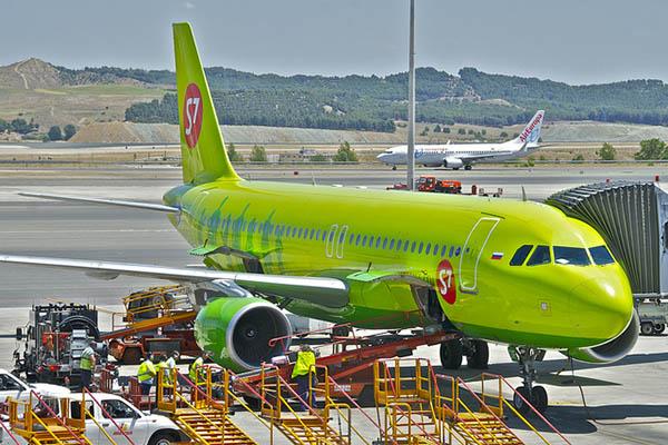 Самолёт S7.
