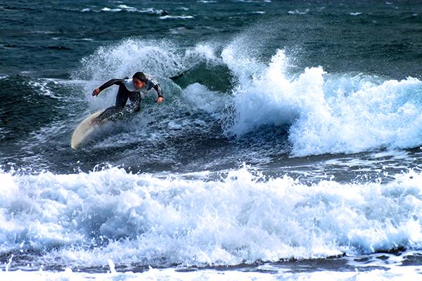 Сёрфингист.