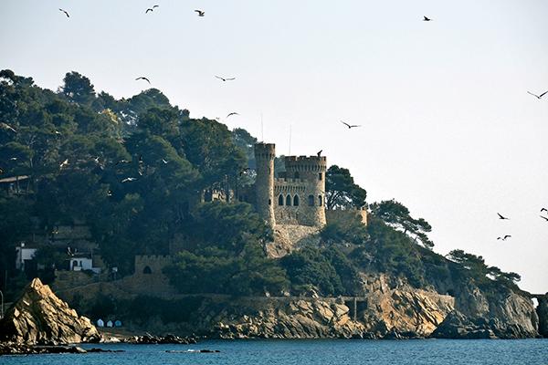 Замок Castel d'en Plaja.