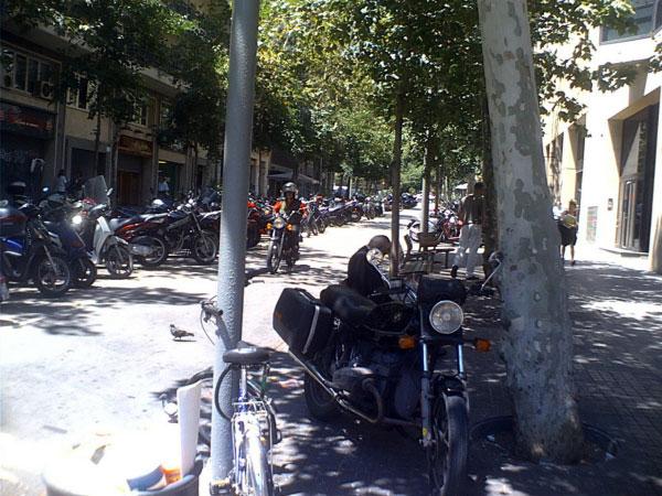 Мотоцикл — основной транспорт.