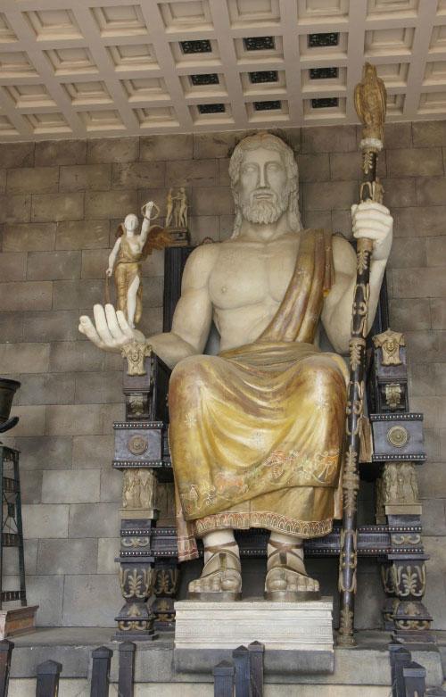 Скульптура Зевса.