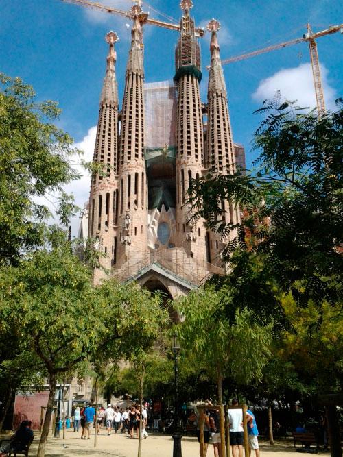 Знаменитый храм Барселоны.