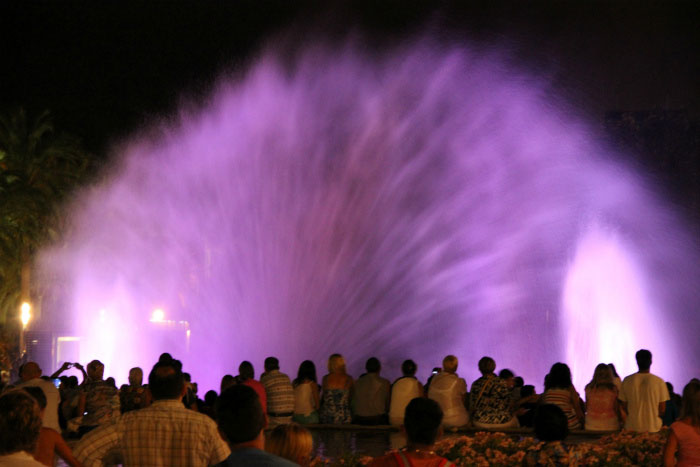 Шоу поющих фонтанов.