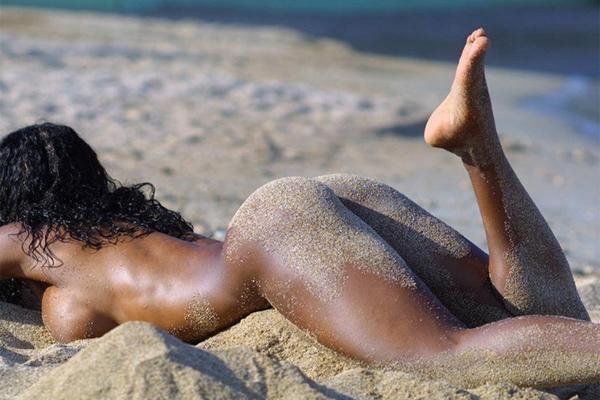 Нудистские пляжи в Испании