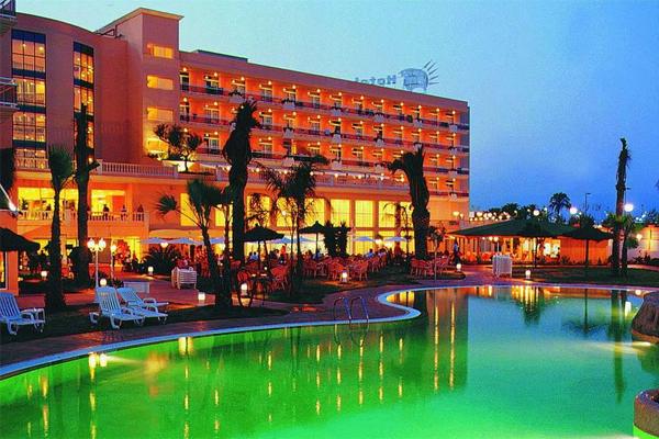 Внешний вид отеля Палас Пинеда