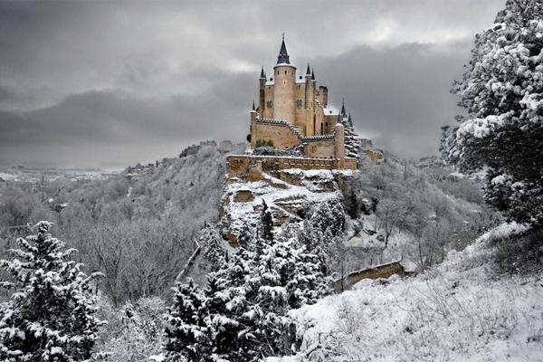 крепость Алькасар главная достопримечательность Толедо