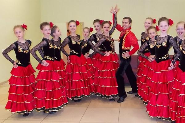 Танцевальные испанские костюмы