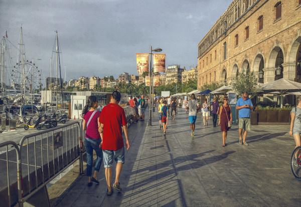 Барселона в осенний период.