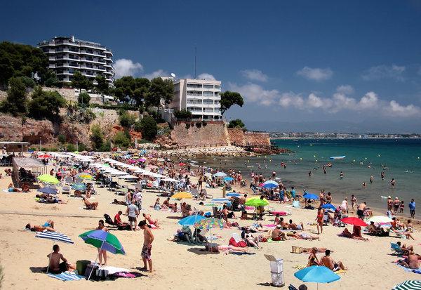 Один из пляжей испанского города Салоу.
