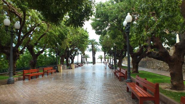 В Таррагоне нас застал сильный дождь.