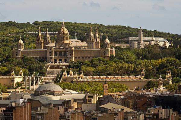Отзывы об отдыхе в апрельской Барселоне всегда положительные.