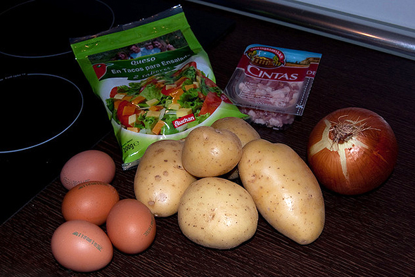 Ингредиенты для этого сытного блюда найдутся в каждом доме.