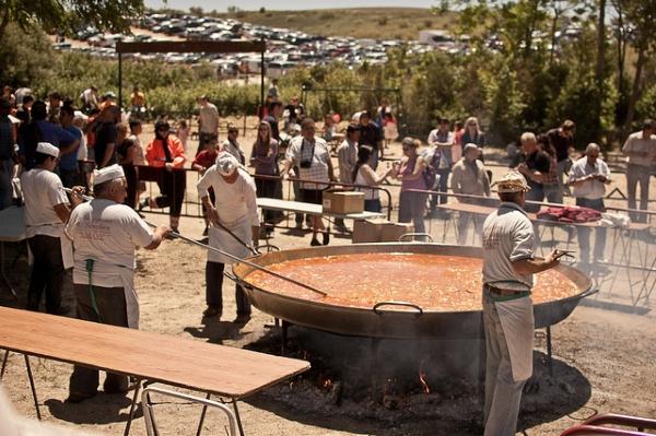 В Испании это блюдо традиционно готовят на День Святого Иосифа.