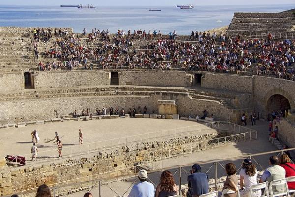 Древний амфитеатр в Таррагоне неплохо сохранился.