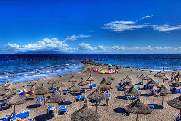 Африканские пляжные зонты.