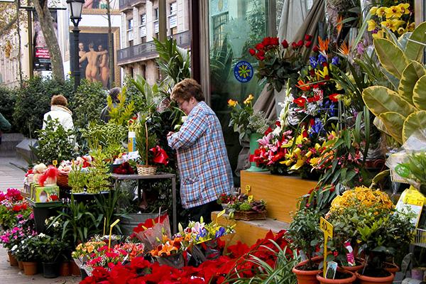 Цветы на Рамбле цветов.