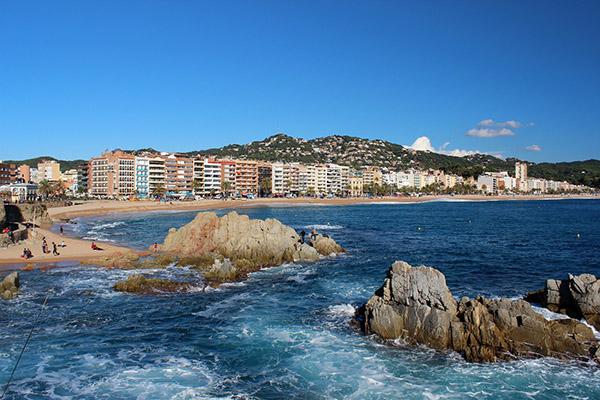 Гостиницы с видом на море и собственным пляжем Ллорет-де-Мар.