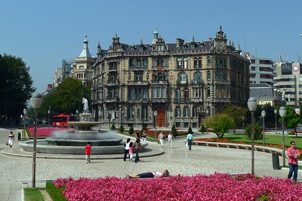 Plaza de Don Federico Moyúa.