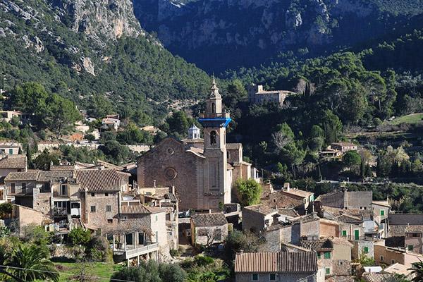 Картезианский монастырь в Вальдемоссе.