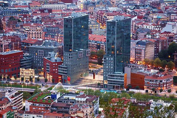 Город — вид сверху.