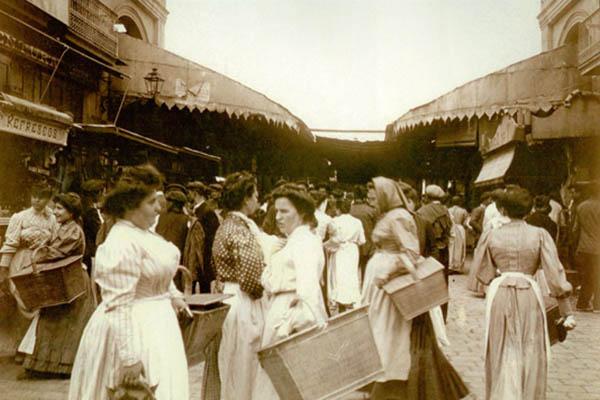 Покупатели 1910 года.