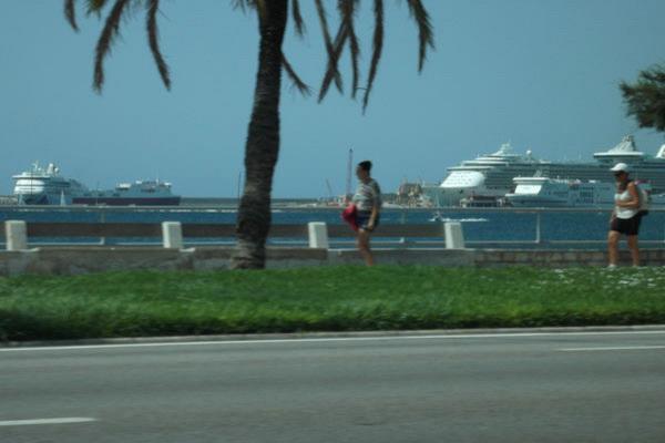 Вид на порт Пальмы с набережной.