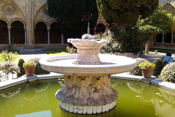 Средневековый фонтан.