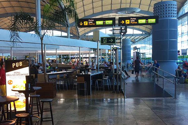Кафе аэропорта.