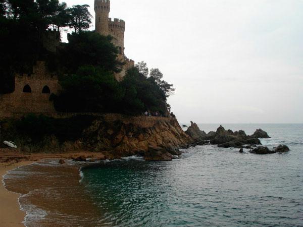 Старинный испанский замок.