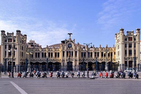 Вокзал Estación del Nord.