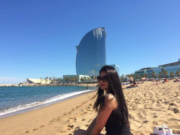 Песчаный пляж в Барселоне.