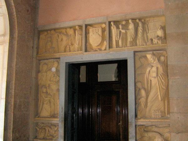 Дверь в покои монахов.